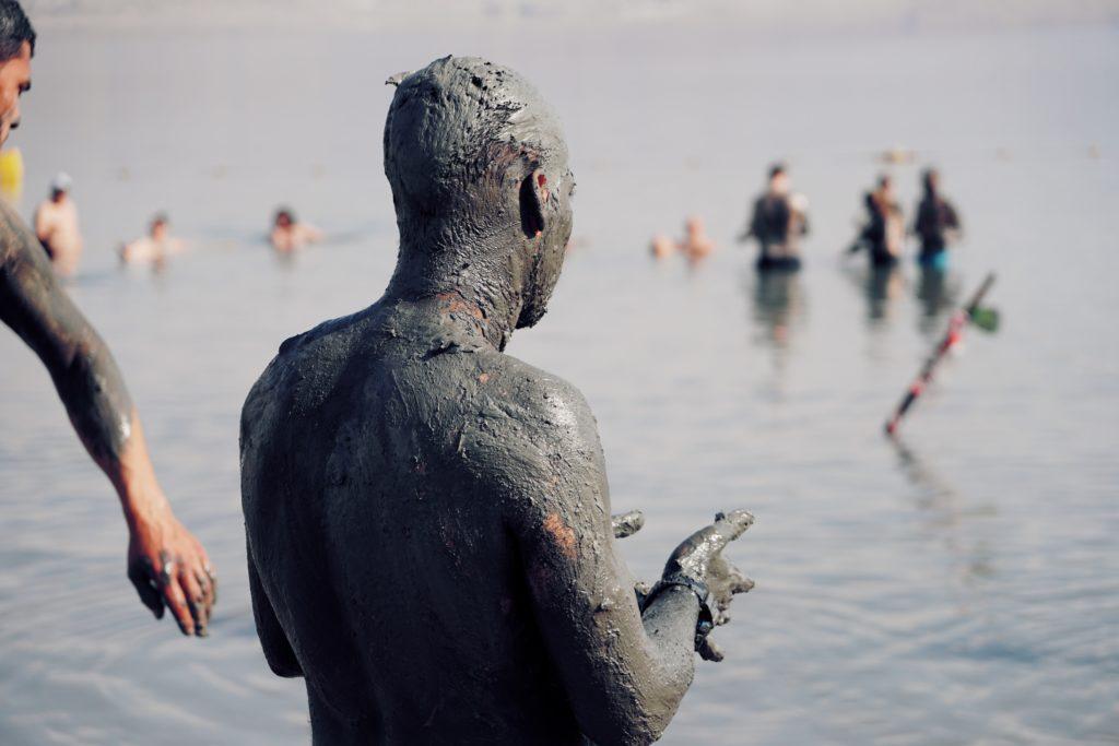 baño de barro mar muerto
